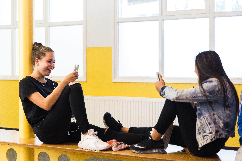 Haemstede-Barger-Mavo-HBM-middelbare-school-Heemstede-leerlingen-maken-plezier-in-de-pauze (2
