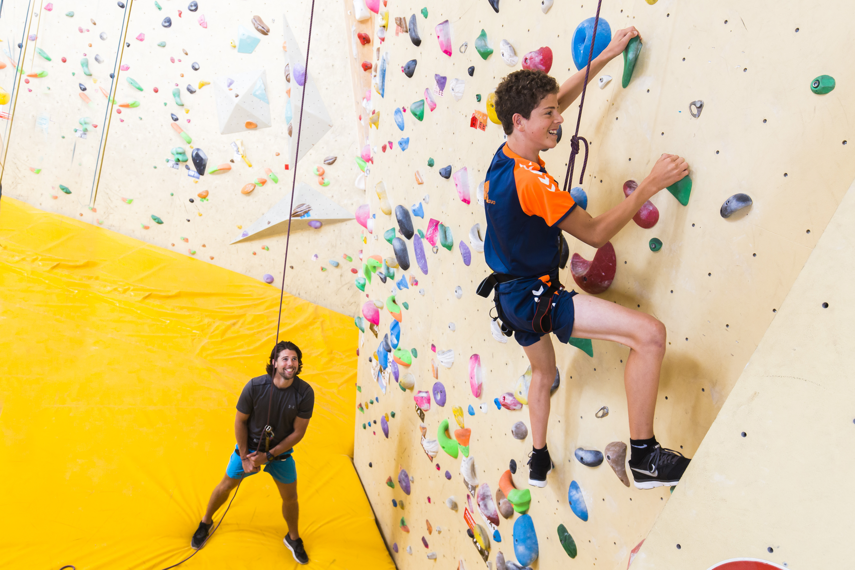 Haemstede-Barger-Mavo-HBM-middelbare-school-Heemstede-lichamelijk-opvoeding-lo-sport-klimmuur